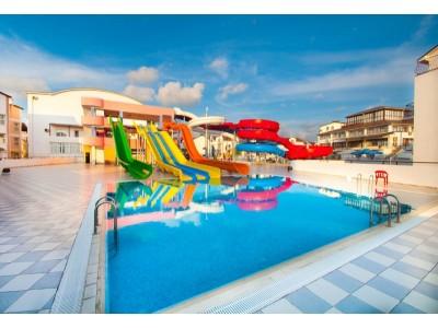 Пансионат Фея-2,  комплекс открытых бассейнов с мини аквапарком